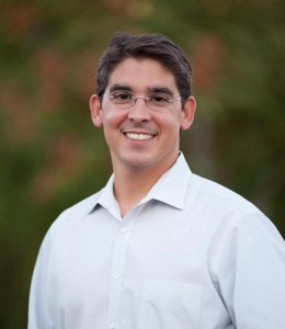 Fernandes Announces Run for Two Year DJUSD Seat