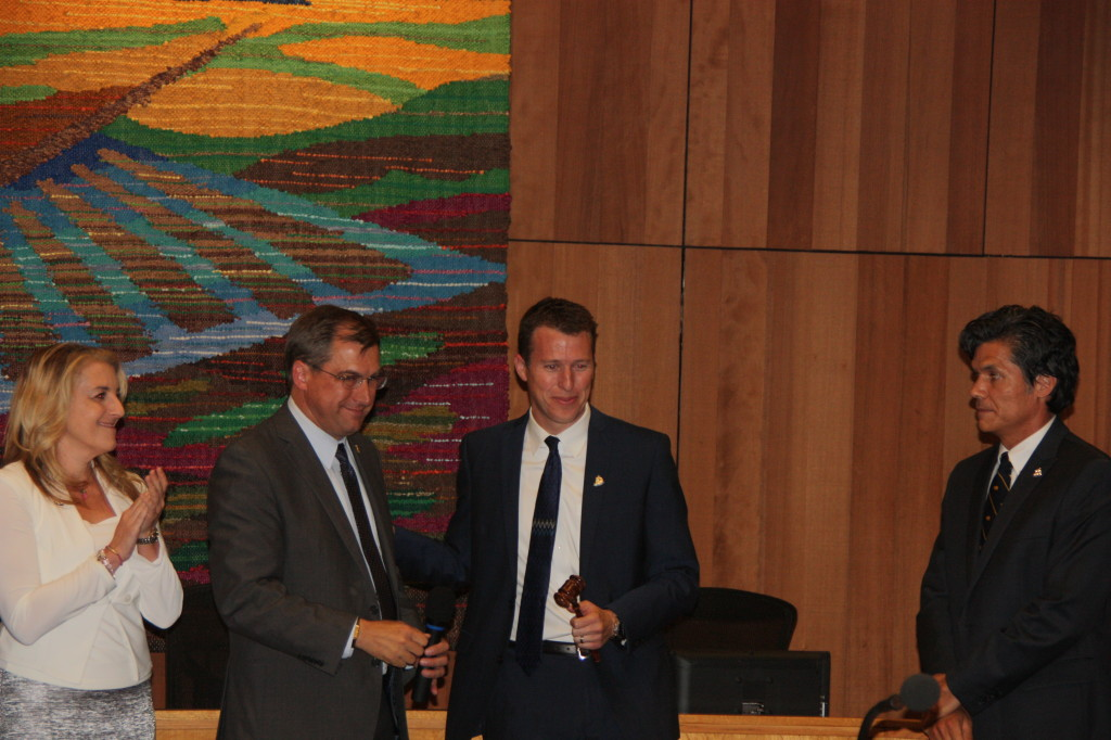 Joe Krovoza hands over the gavel to Dan Wolk as the baton is past to the next Mayor