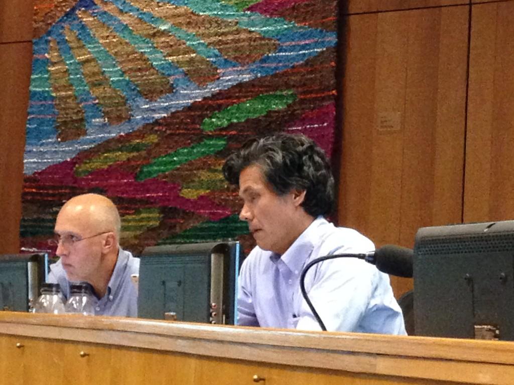Councilmember Brett Lee and Mayor Pro Tem Robb Davis look on