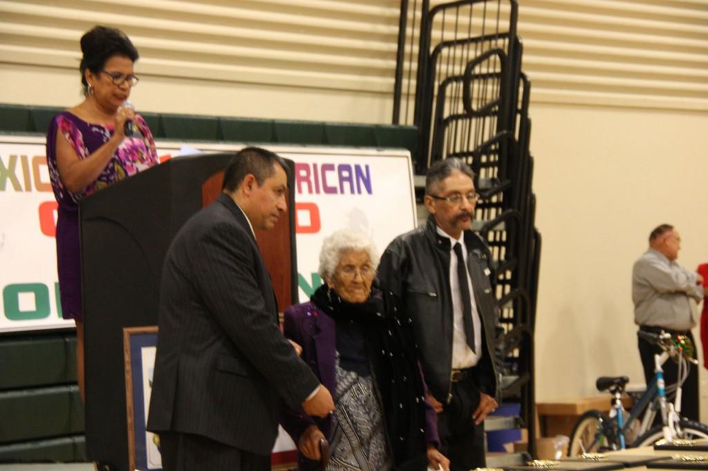 Agripina Vargas receives Senior Citizen Award