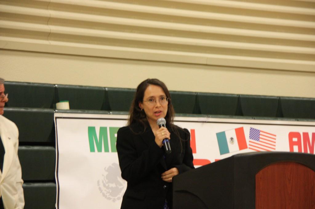 Amagda Perez received the Pilar Andrade Award