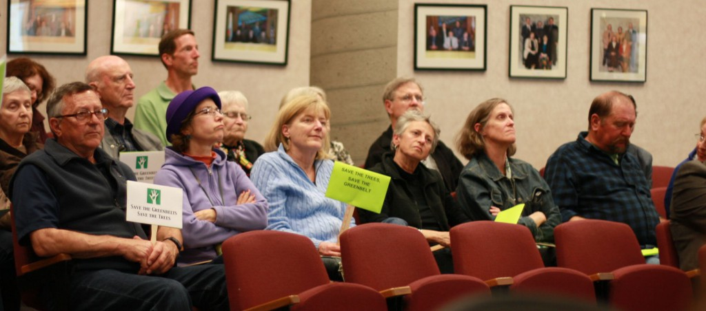 A large audience was overwhelmingly in favor of the staff recommendation.