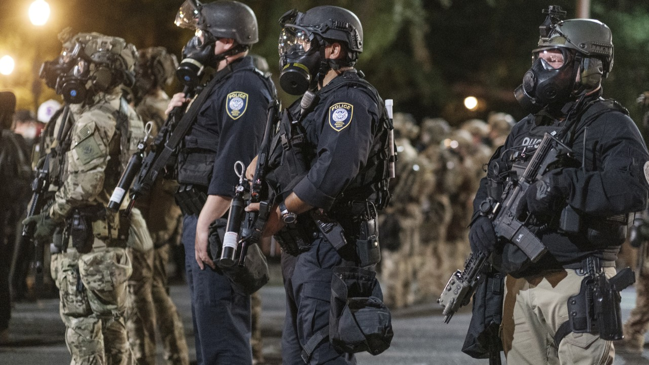 federal troops coordinated with Portland police