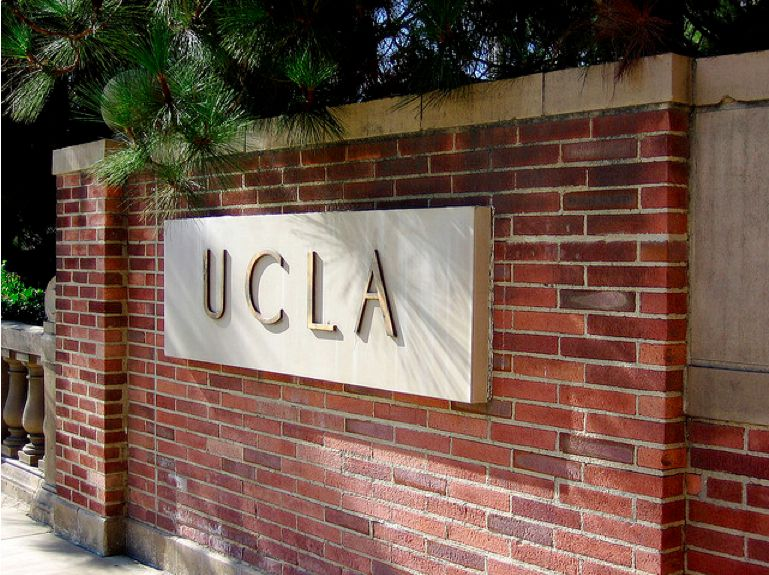 UCLA sign.